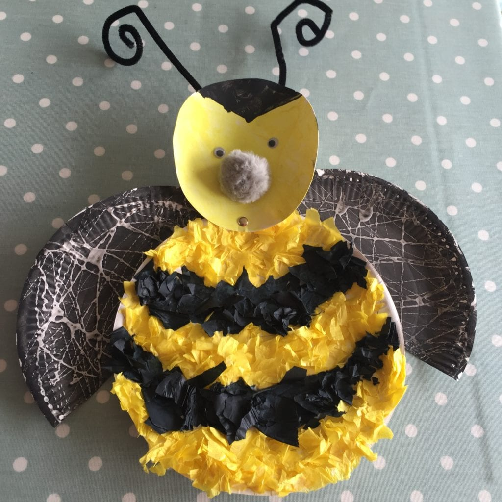 Paper plate bumble bee a simple kids craft blissful domestication paper plate bumble bee jeuxipadfo Images