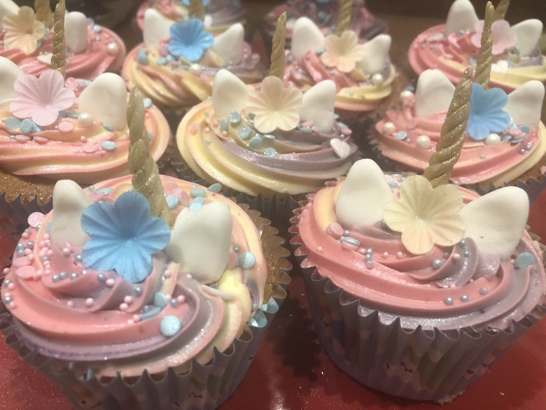 unicorn style cupcakes