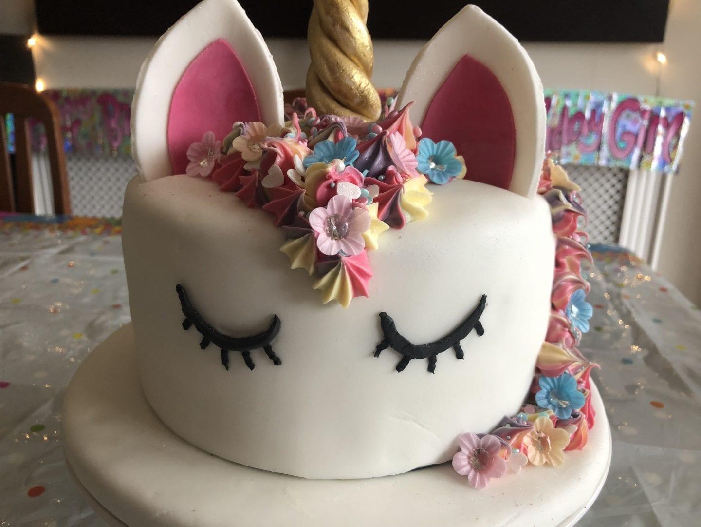 simple unicorn birthday cake
