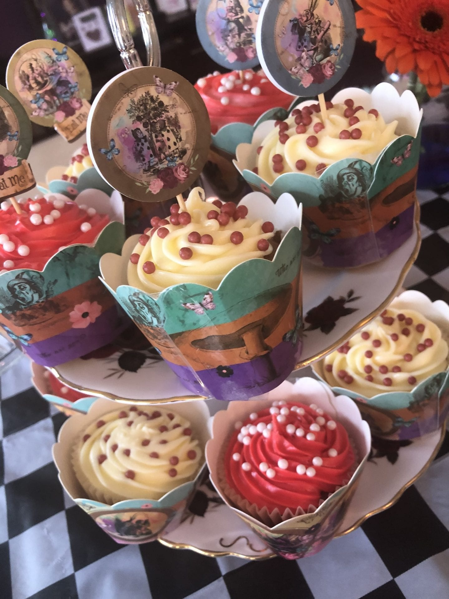 Red and white Alice in Wonderland themed cupcakes